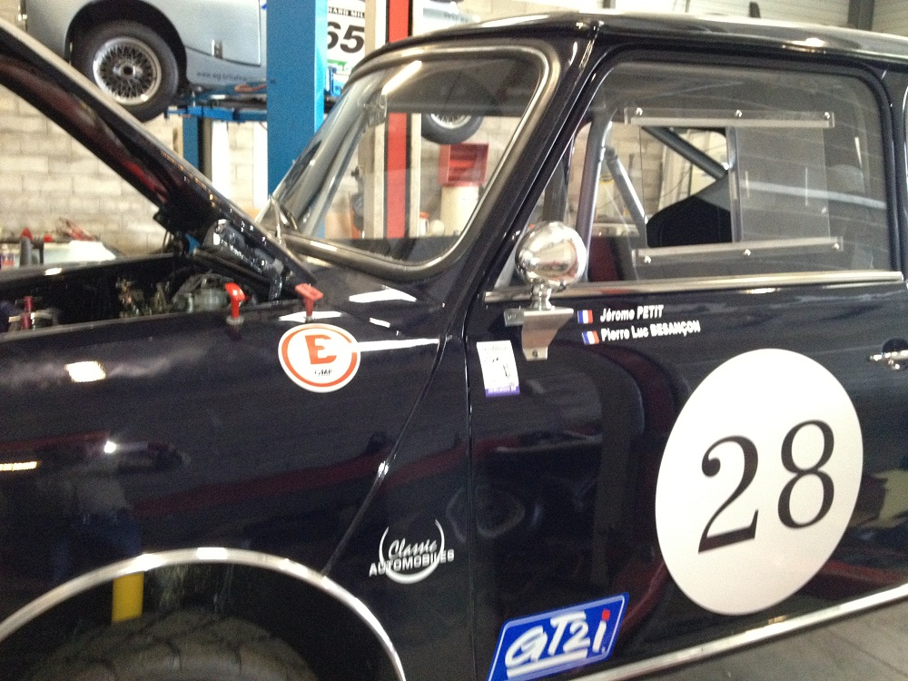 gp historique nogaro 2012 restauration mini austin toulouse classic automobiles. Black Bedroom Furniture Sets. Home Design Ideas